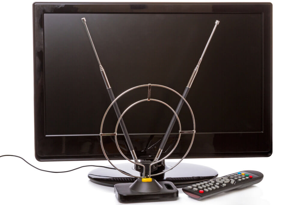 Weak TV Signal: 4 Possible Causes and 3 Solutions