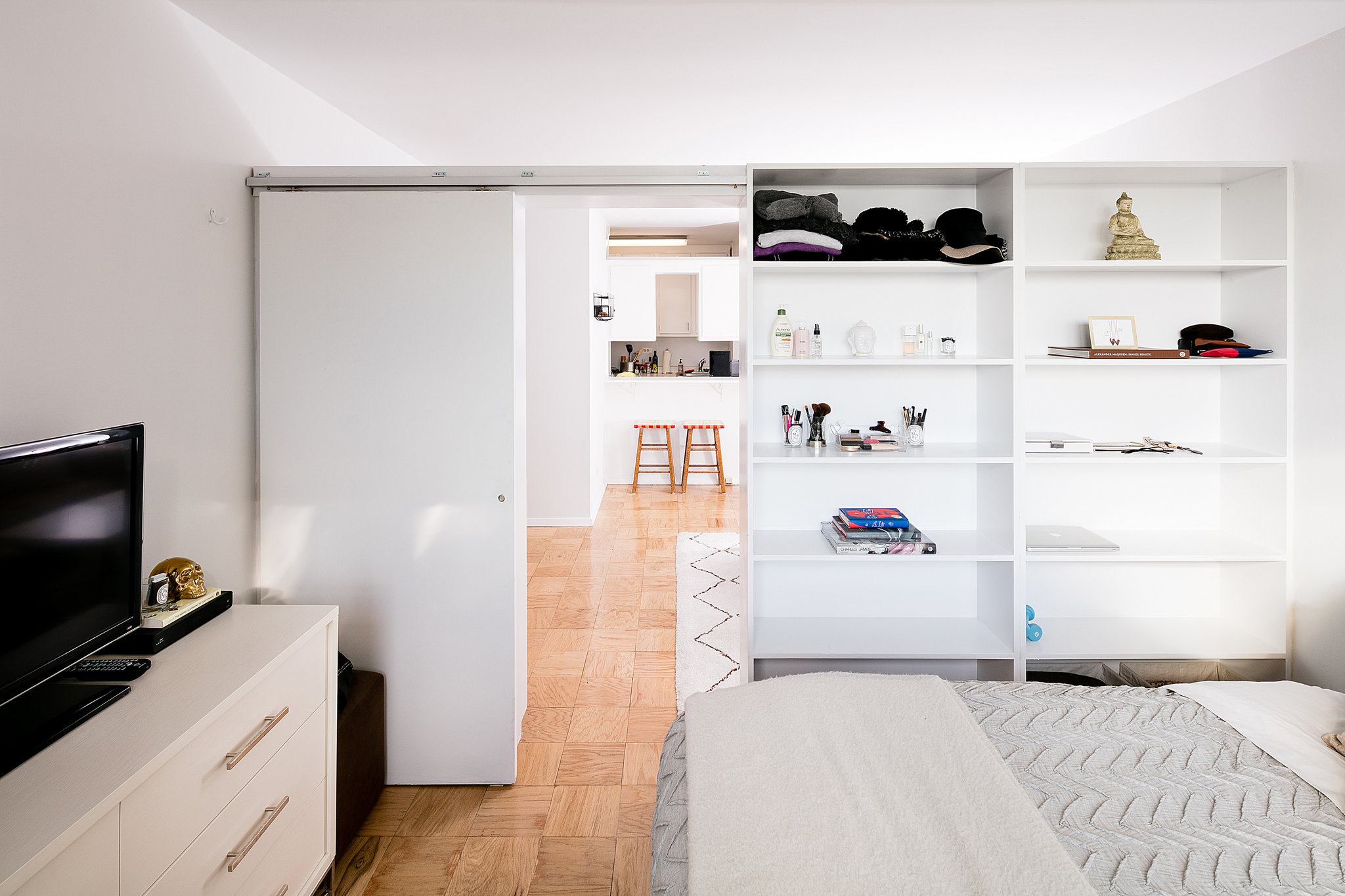 Small Budget Temporary Pressurized Walls And Maximum Features In NYC