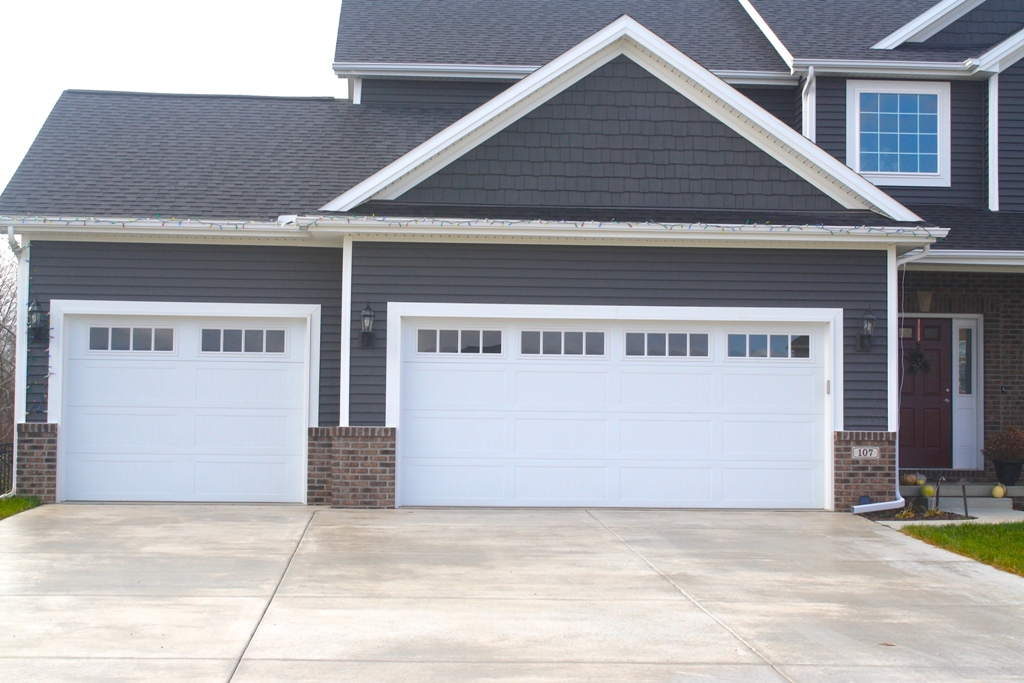 How to Pick the Right Garage Door for Your Home